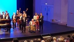 Remise de chèque récital du chœur au profit de l'APF