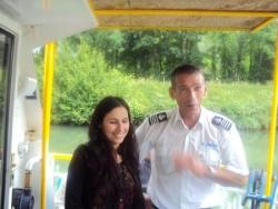 Saloua et le commandant de bord