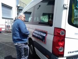 Préparation du minibus par Marcel