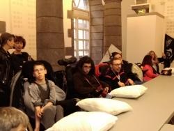 Livraison d'oreillers à la mairie pour le Droit au