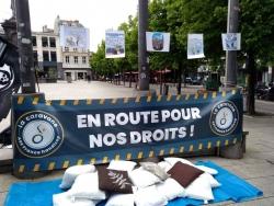 Notre banderole place de la Victoire