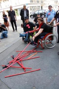 """Manifestation """"des bâtons dans les roues"""""""