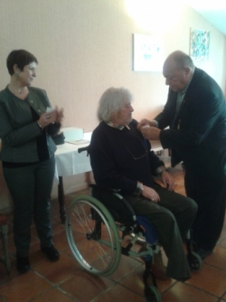 Jean-Claude Autret reçoit la médaille de l'AEDA