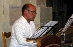 Franc Saint-Paul au piano et au synthétiseur
