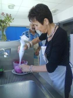 Claudine prend le relais du mixer