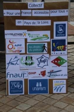 """Les associations du collectif """"pour une France acc"""