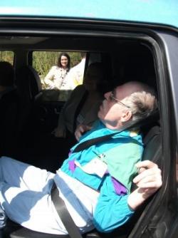 Michel dort dans le 4X4