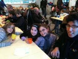 Lobna et quelques enfants