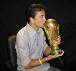 Bebeto embrasse la coupe du monde