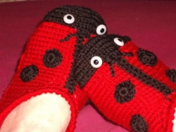 chaussons coccinelles