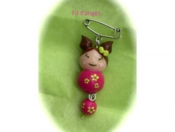 Broche Dolly