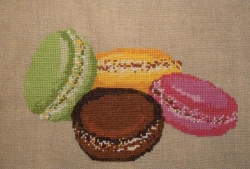 Broderie 4 macarons