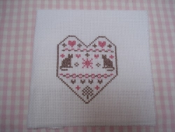 broderie coeur chat