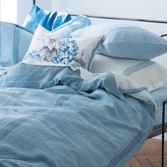 Linen-Stripe-Cloud-Bed