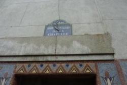 Mosaïques et plaque de rue