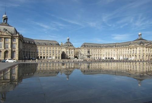 Le plus grand miroir d 39 eau du monde action barb s for Miroir d eau bordeaux