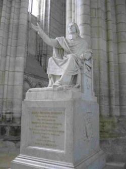 Bossuet dans la cathédrale
