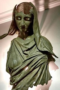 Bronze de Demeter trouvé au large d'Izmir