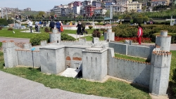 La Porte d'Or et la Forteresse des Sept-Tours