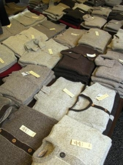 Pull-overs, tricots, chandails, sweaters...