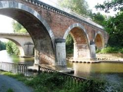 Pont sur la rivière Thoré