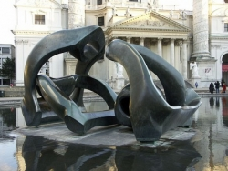 Henry Moore at the Karlskirche