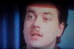 T2 : Donnie Decker, escroc ou possédé ?