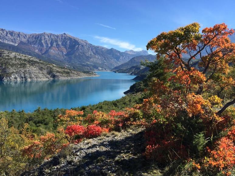 Lac Serre Poncon : Bungalow am see serre ponçon fewo direkt