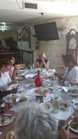 Au restaurant Naurah