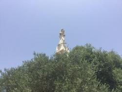 Marie face à Jerusalem