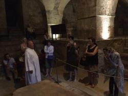 Dans la crypte