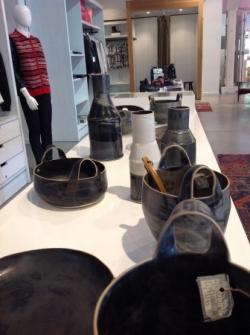 Jolies poteries et accessoires de cuisine ou linge