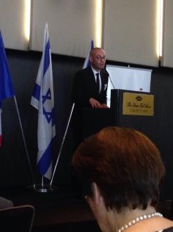 Le Consul général de France a Tel Aviv M Vermeulen