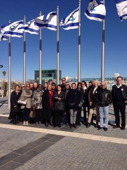 A la sortie de la Knesset