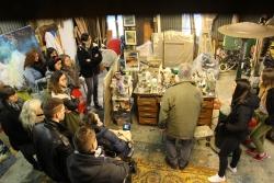 visite de l'atelier par la classe, le matériel