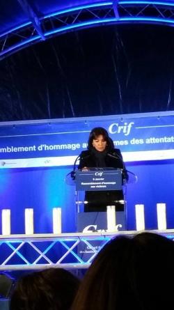 Anne Hidalgo rend hommage aux victimes