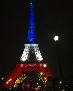 Paris Debout !