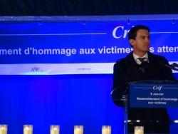 Manuel Valls rend hommage aux victimes