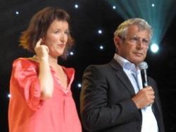 Les presentateurs Anne Romanof et Michel Boujnah