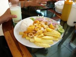 Almuerzo en Montañita 1