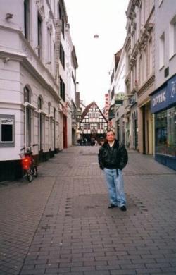 Miguel en las calles de Bonn