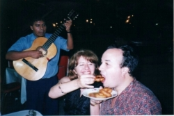 Comiendo Picarones en Lima