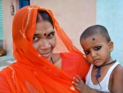 Femme à l'enfant (Inde)
