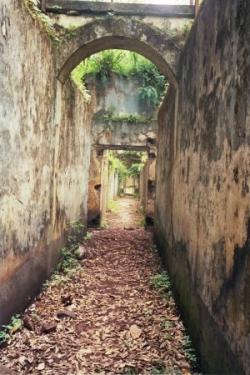 et de longs couloirs