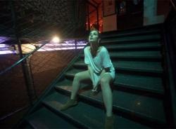 Sur l'escalier la nuit
