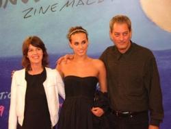 Sophie avec son père et Irène Jacob