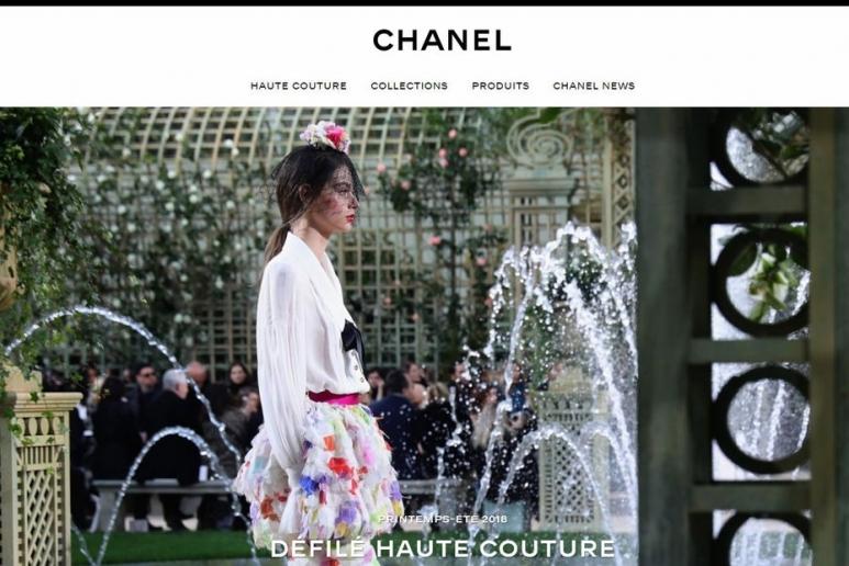 DE LELIA DE MATHAREL   LSA   http   bit.ly 2oflRWi.  Chanel investit dans   Farfetch ... bf478d39756