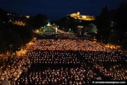 Procession mariale à Lourdes