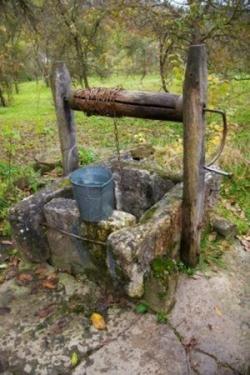 Puit et source d'eau
