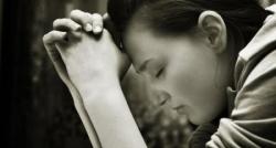 Femme en prière 1